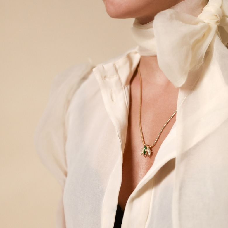 HLC -  BRIGHT FLY NECKLACE 5